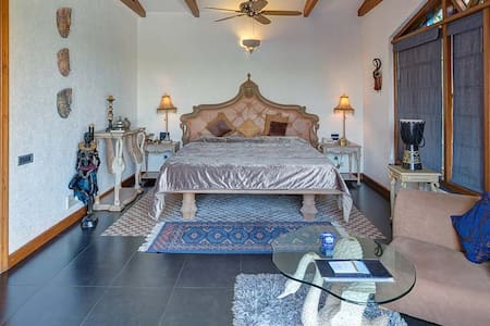 Earthly Suite for couples in Mahabaleshwar