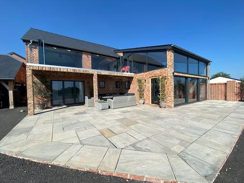 Beautiful New Open Plan Barn Conversion