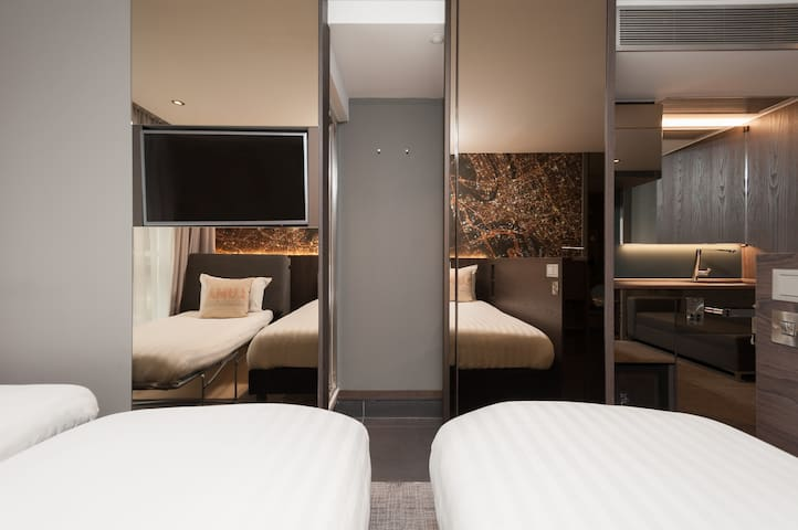 Luxe triple Room