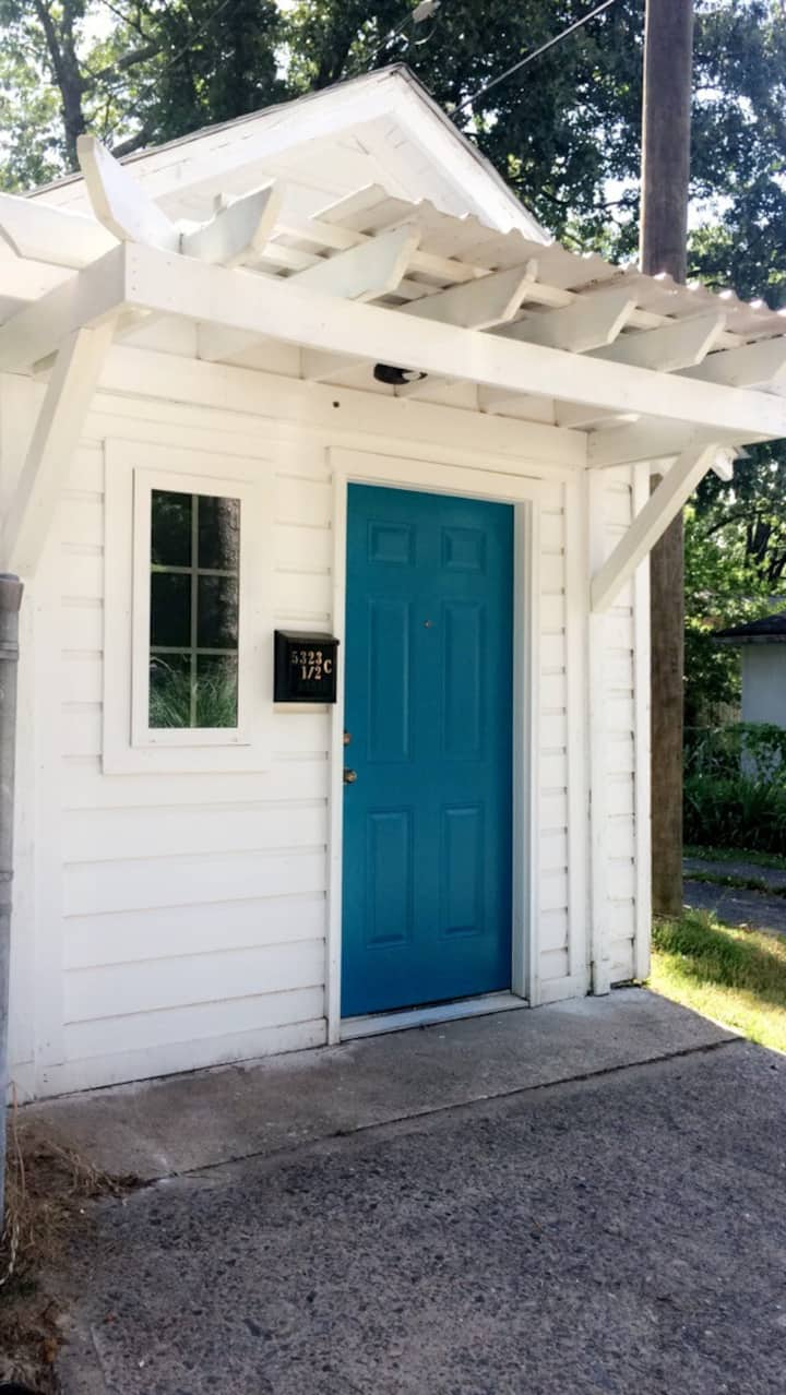 Hillcrest Tiny House with private patio