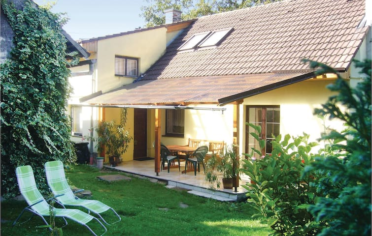 Holiday cottage with 3 bedrooms on 108m² in Podhorany u Ronova