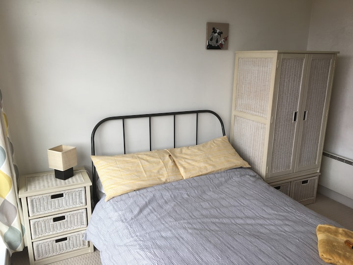 Double room ideal for gay village easygoing host