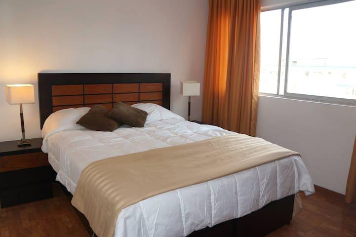 Room QUEENSIZE bed - Miraflores - Bed & Breakfast