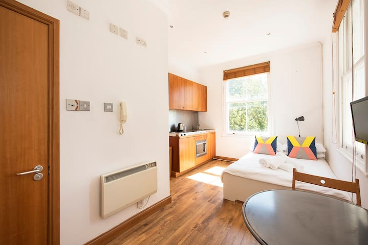 Outstanding Notting Hill Studio