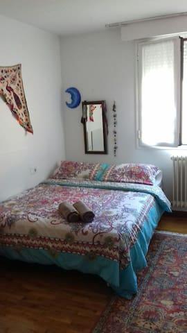 Casa acogedora cerca del centro - Pamplona - Bed & Breakfast