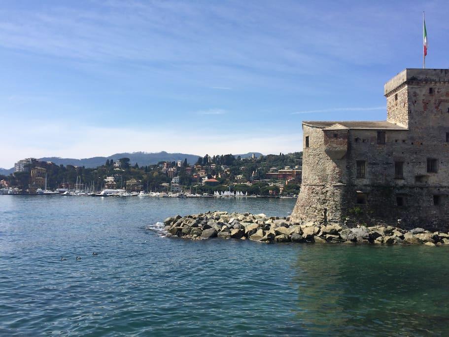 Castello di Rapallo, sede di mostre artistiche