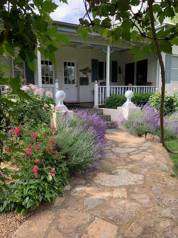 'Tara' homestead