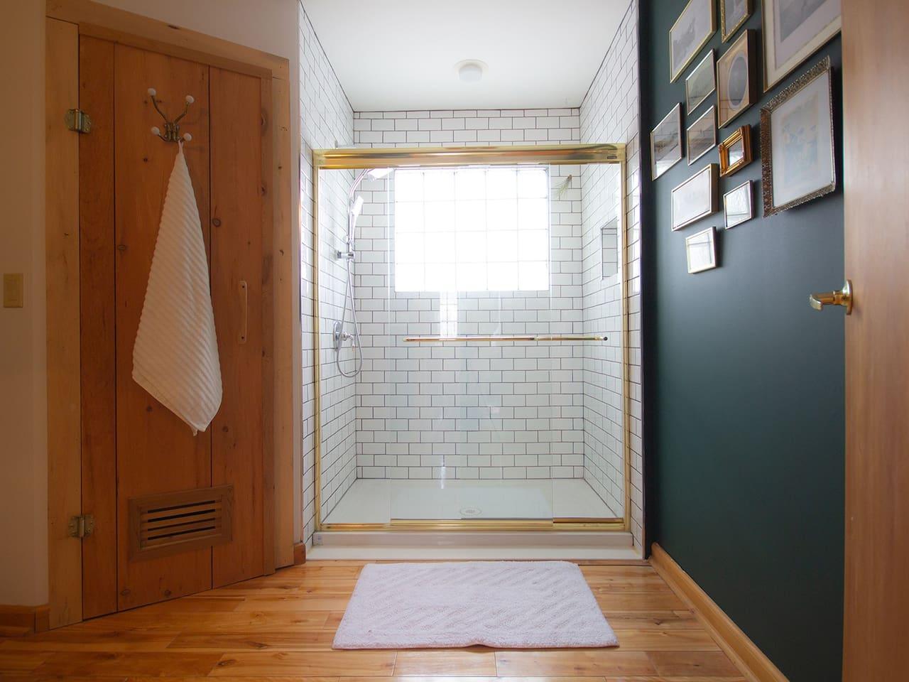 Main floor bathroom with sauna