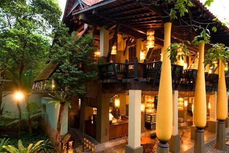 Gita Bayu Green Paradise Luxury Bungalow - Seri Kembangan - 小平房