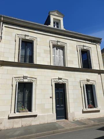 Chambre double en centre ville de Bourgueil