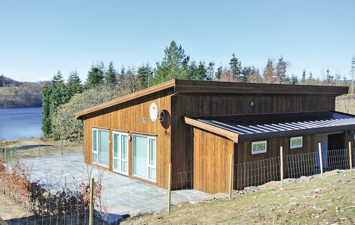Nice home in Farsund with 4 Bedrooms