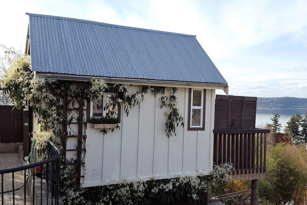 The Aloha Tiny House