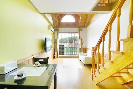 경포 별빛연가 펜션 스타베리 (복층) - Jeodong-gil, Gangneung - ที่พักพร้อมอาหารเช้า