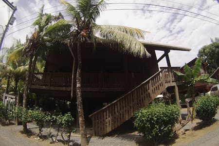 Stunning bungalowhouse in the oceanside of Roatan! - Roatan