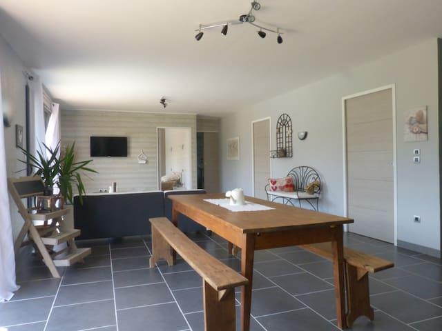 Maison cosy marais poitevin+ piscine 7 pers sud 79 - Marigny - Doğa içinde pansiyon