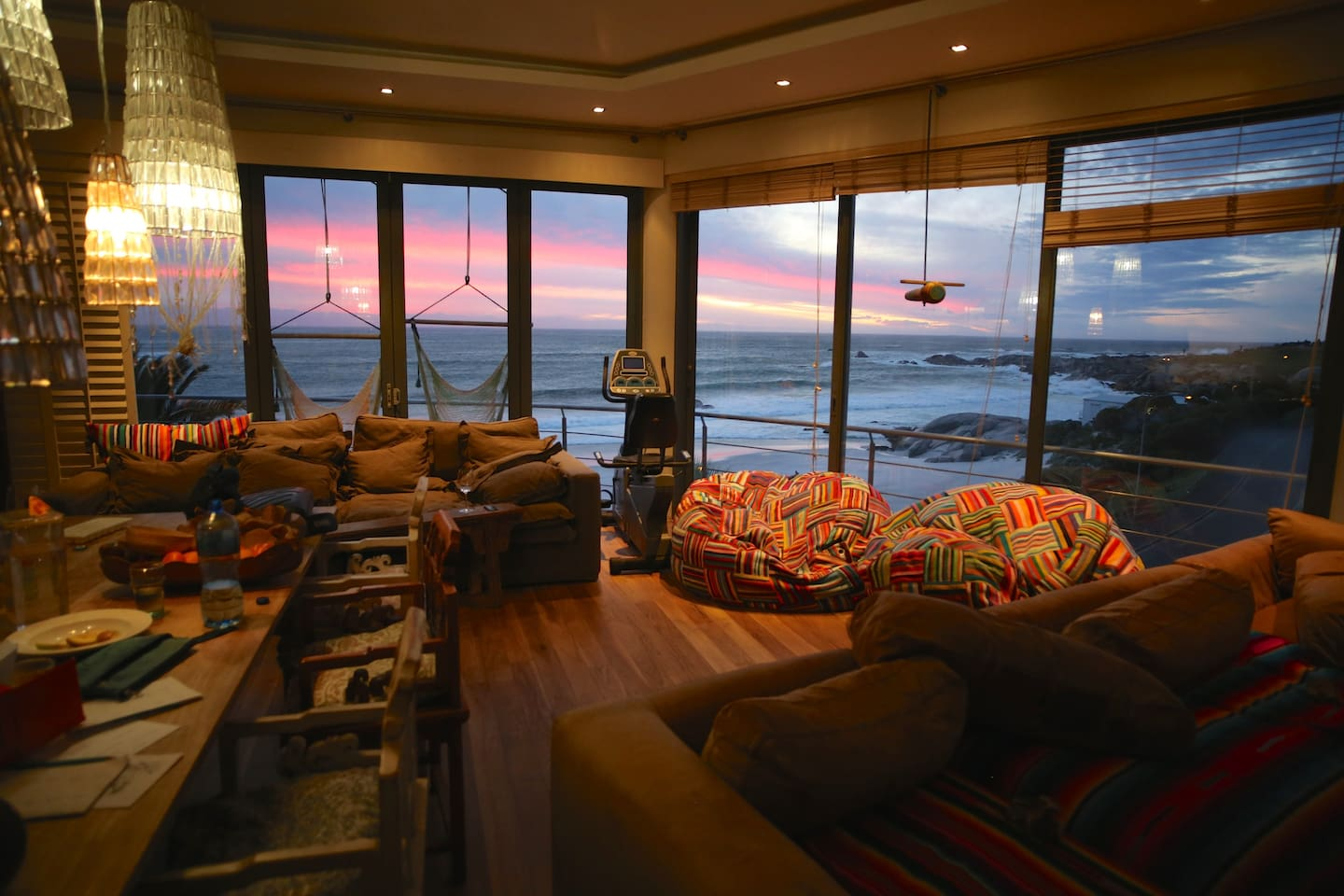 Lounge dining with wrap round Sea and mountain view