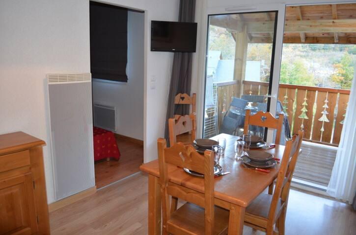 DOMAINE DE LA VALLEE  2 / 6  PERSONNES - Ax-les-Thermes - Appartement en résidence