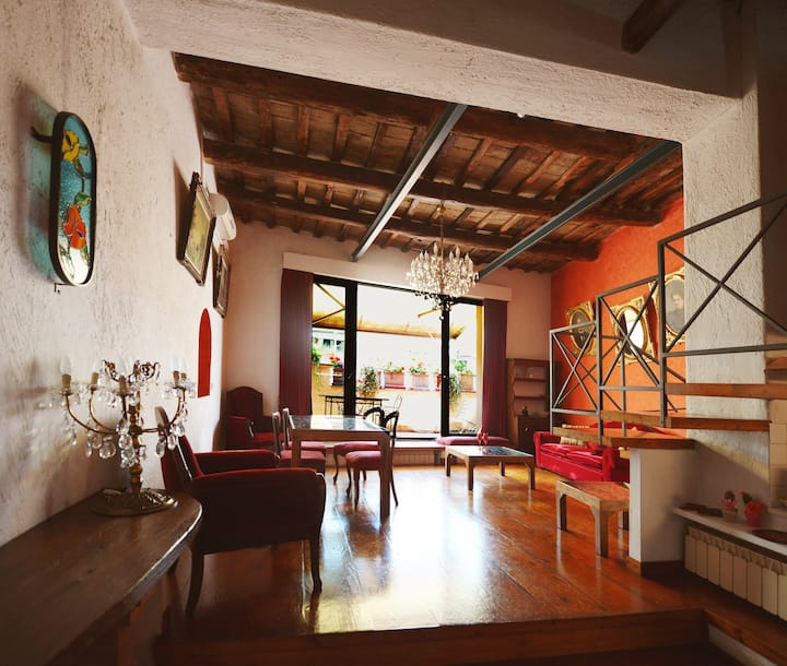 Trastevere loft, charming top floor with terrace