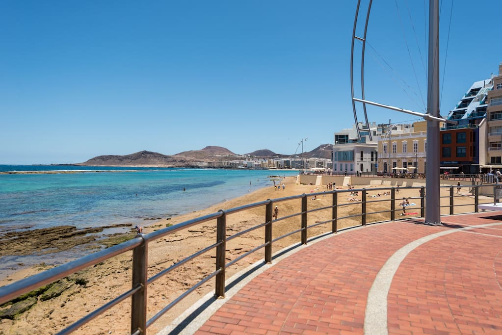 Avenida de la Playa De Las Canteras a solo 2 minutos a pie