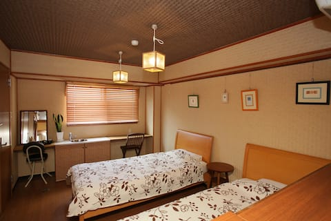 Hostel Casa Noda Superior Twin Room (max 3 guests)