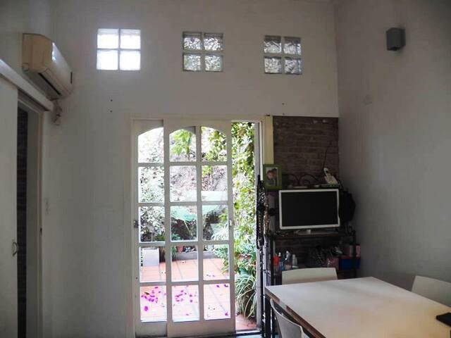 Excelente casa con patio y terraza - Rosario - Hus