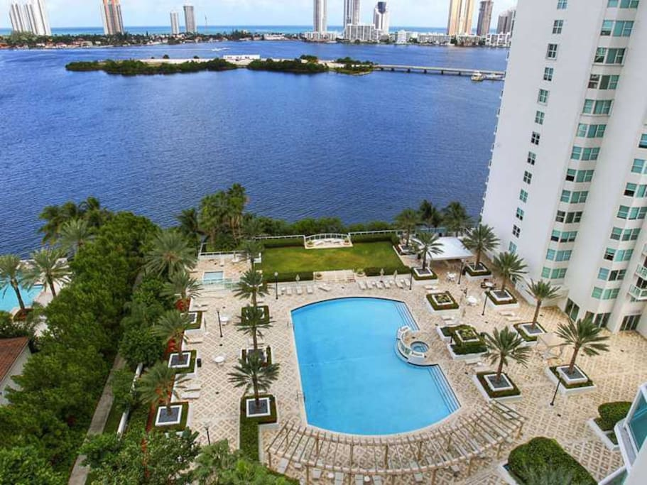 Aventura 2 Bedrooms Water View Condominiums For Rent In Miami Florida United States