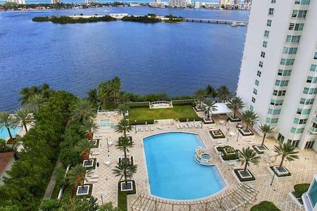 Aventura 2 Bedrooms Water view - Miami