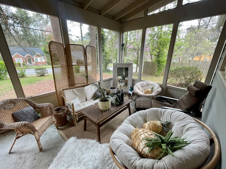Entire Atlanta Trendy MCM/Boho Home
