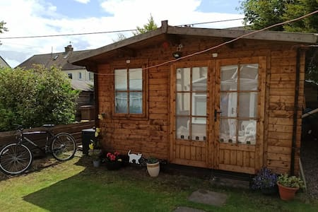 Golfers Cabin, cosy, well-equipped. 1-2 persons