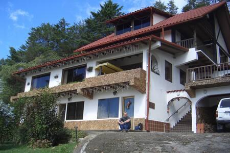 Apartm. a 30 m²  im Bonner Haus - Colonia Tovar