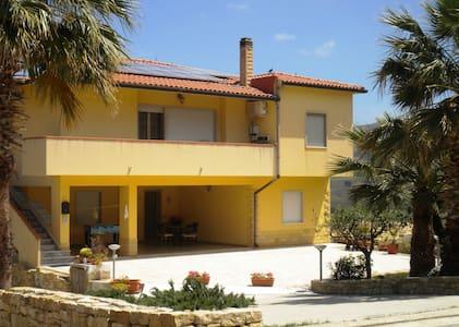 Arbaria per vacanza in Sicilia - Buseto Palizzolo