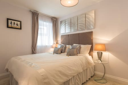 Seafront building, Southsea - Apartment