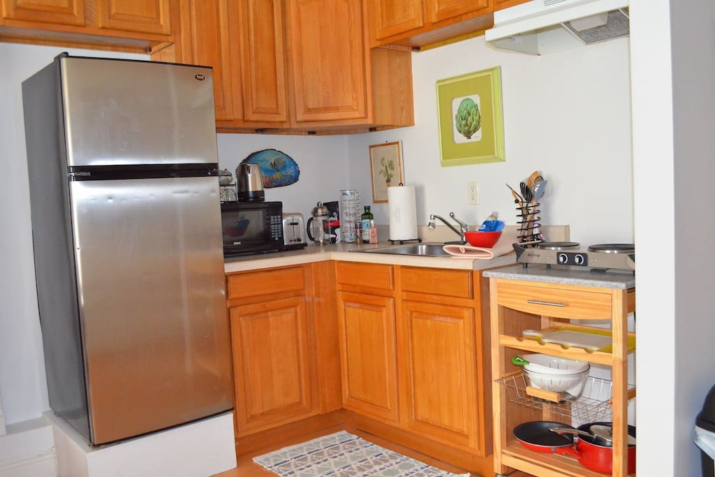 Kitchen with amenities