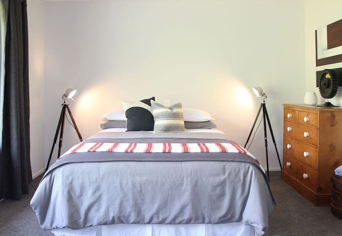 Master bedroom, quality bed linens