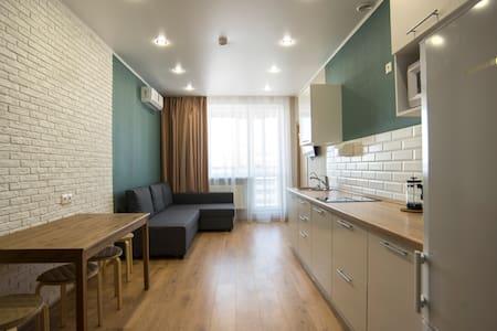 Апартаменты с гостиной и 2 спальнями.Вид на Кремль