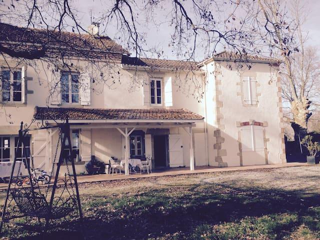 Grande et charmante maison familiale - Mugron