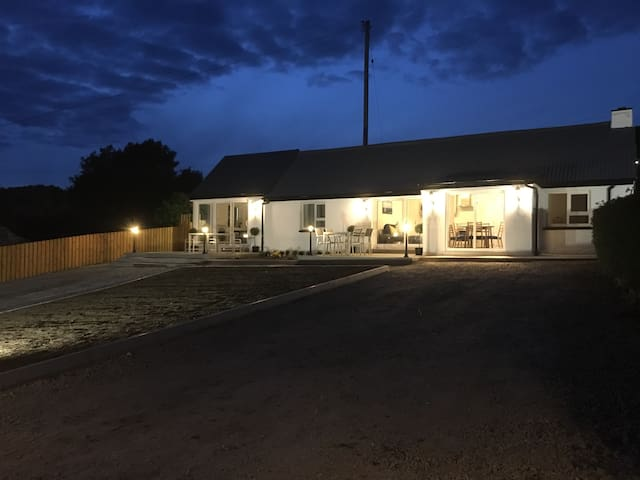 2 bedroom house and adjoining 1 bedroom house (night view)