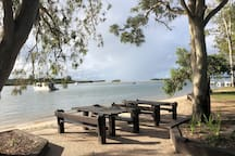 Short walk to Gympie Terrace and picturesque Noosa river with fabulous restaurants and cafes.