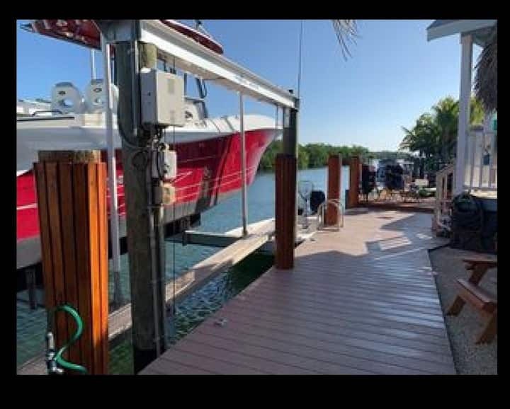 Keys waterfront paradise and 16k private boat lift