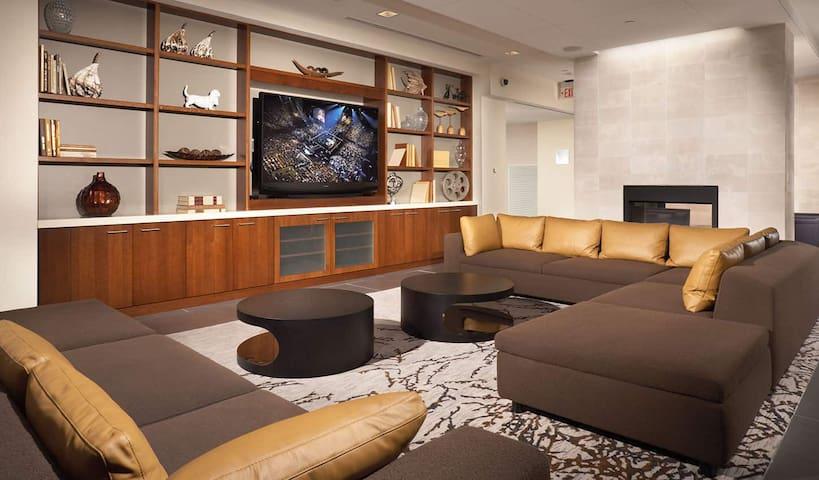 Luxury Apartment at Pentagon Row-554