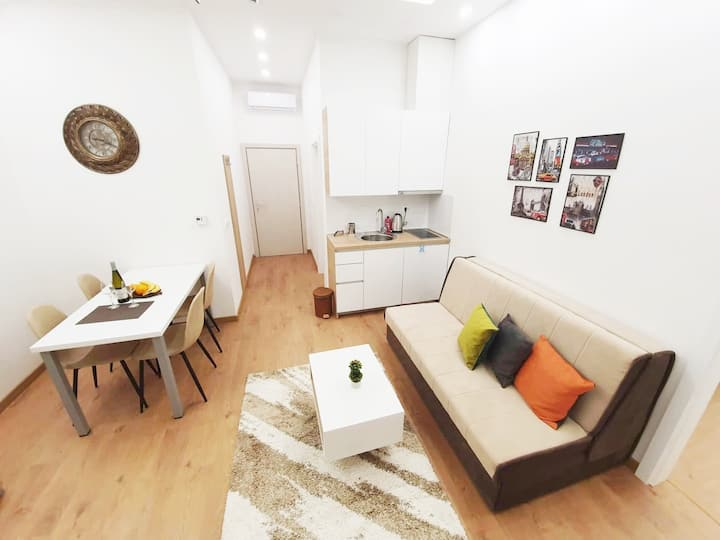 Modern, bright and cozy Apartment, great location