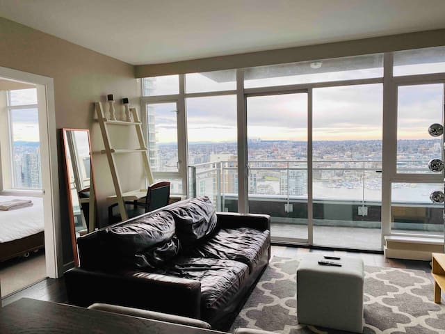 Spectacular Downtown Yaletown Condo - Luxury
