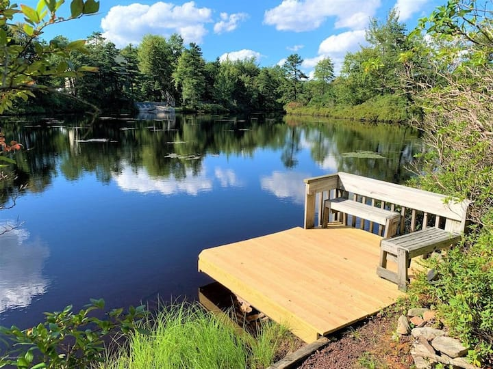 Lakefront Family Luxury Getaway/Ski Chalet