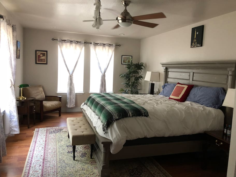 california king size bed in master bedroom