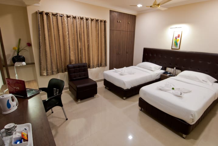 New Furnished rooms very near to Airport