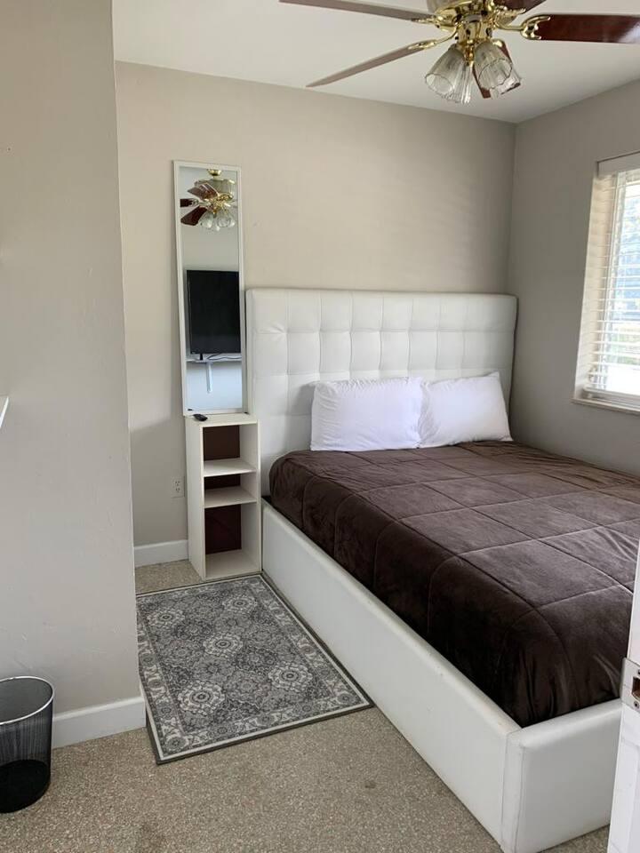 Bedroom in Deerfield Beach Area - Bedroom A