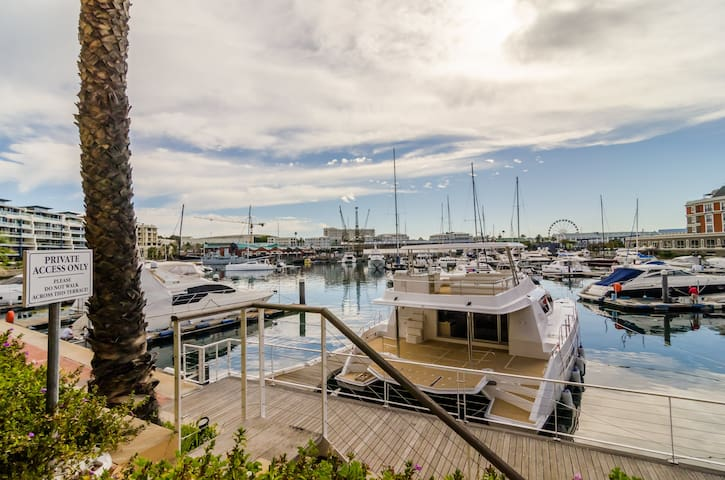 Two bedroom Superior apartment  with Marina views
