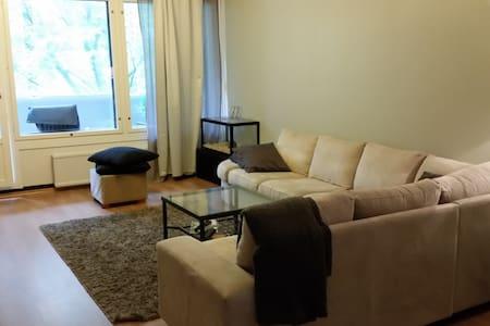 Comfortable 3 rooms apartment, exellent location - Vantaa