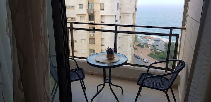 Nitza 2 bdr apartment with sea view and balkony