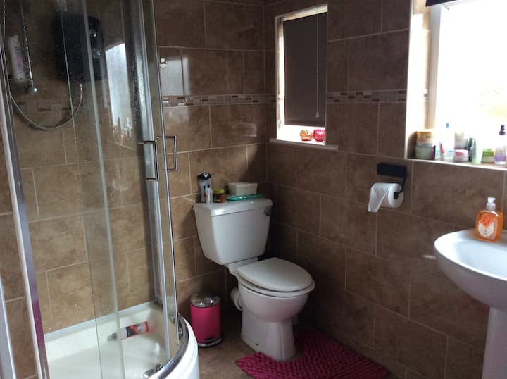Double room for working guests -TV, WI FI, parking